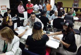 Avanzan en Santiago recuentos de votos
