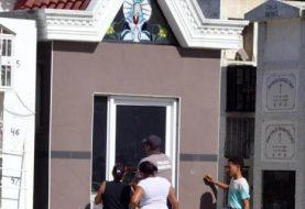 Poca asistencia en cementerios de Santiago