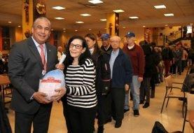 Consulado dominicano NY entrega miles de pavos