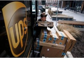 Exhortan hispanos aplicar para 100 mil empleo de UPS en EE.UU