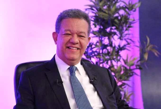 Pleno de la JCE admite candidatura Leonel Fernández