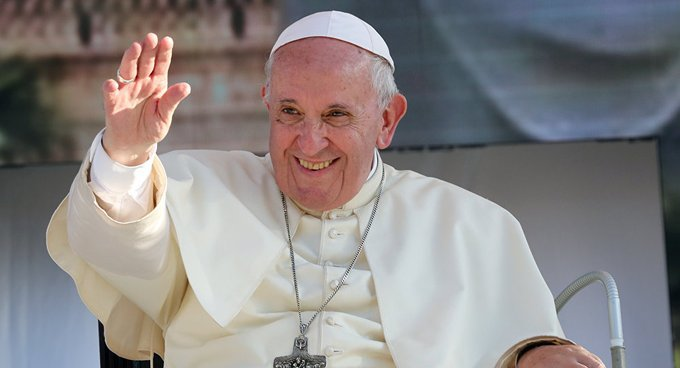 """El papa pide a familias enfrentar cuarentena con """"paz"""" y """"creatividad"""""""