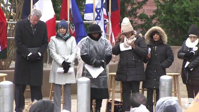 Recuerdan en NY víctimas vuelo 587
