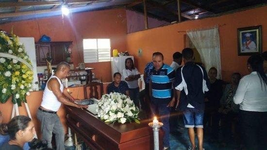 velatorio hombre murió por dengue