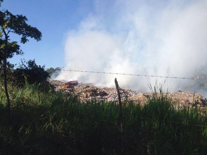 Incendio en vertedero Jarabacoa afecta a residentes