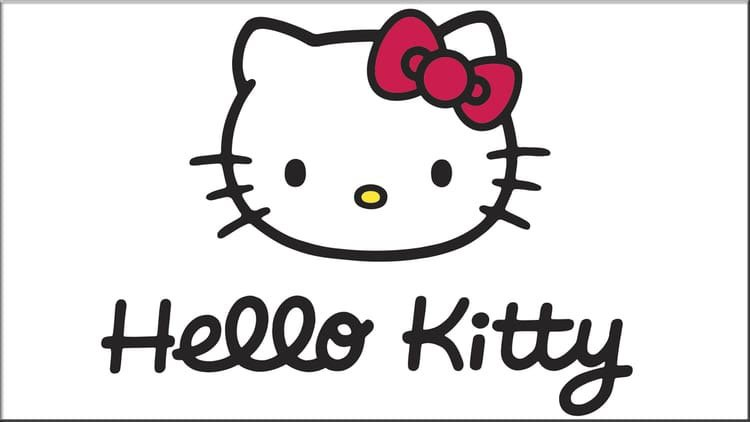 Con su cara de Hello Kitty