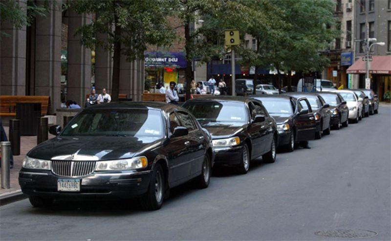 Más de 100 bases de taxis latinas han cerrado en NY