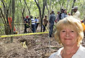 Lindsay Peta había sido atracada y baleada antes de ser estrangulada