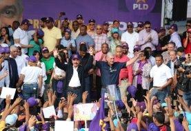 Gonzalo Castillo encabeza junto a Danilo caravana aniversario PLD