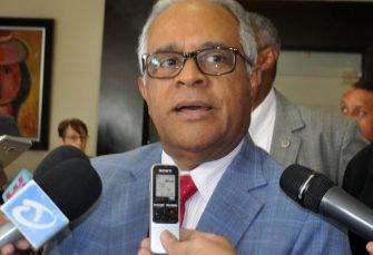 Ministro niega centros de salud estén desbordados por casos dengue