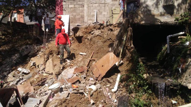 Vivienda colapsa en la Cañada del Diablo