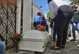 Sepultan restos niña de 4 años, asesinada en Santiago