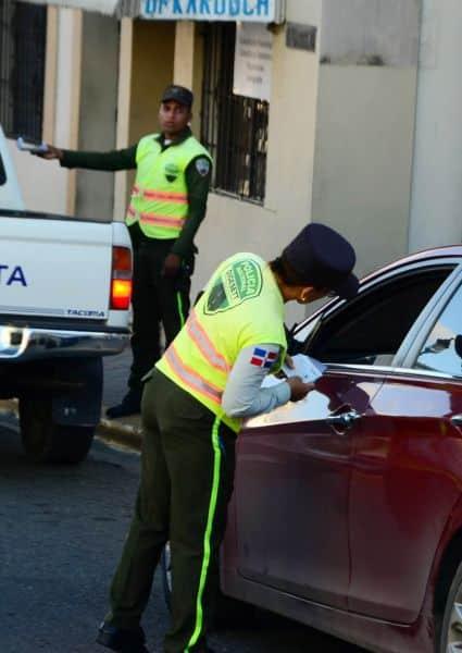 Inician fiscalización de vehículos sin marbetes