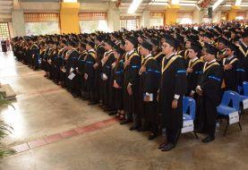 PUCMM entrega 661 títulos a graduandos