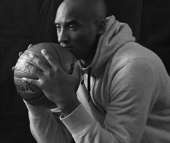 Muere Kobe Bryant al estrellarse helicóptero