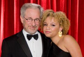 Hija de Steven Spielberg revela que es una estrella porno