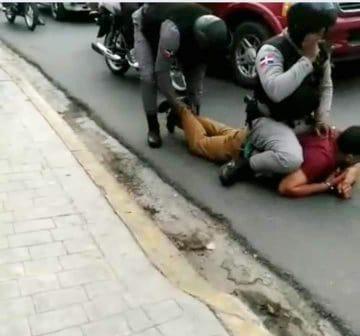 Suspenden policías por muerte abogado Argenis Martínez