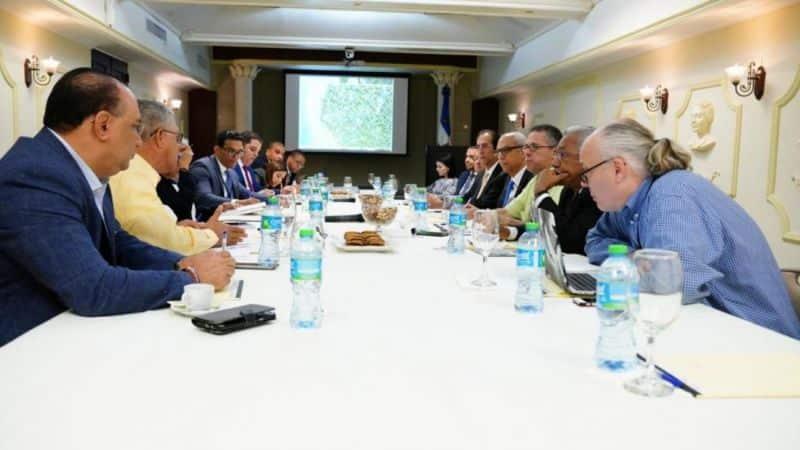 Comisión que evalúa construcción proyecto Leaf Bayahíbe