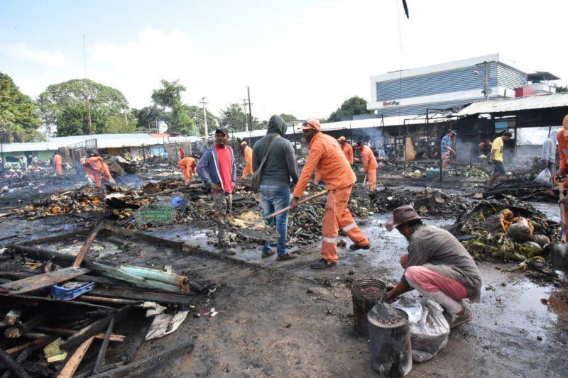 Entregan hoy informe incendio afectó mercado La Vega