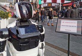 Robot realiza preguntas sobre coronavirus calles de Nueva York