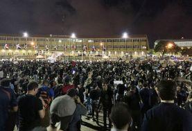 Jóvenes manifestantes mantienen asedio sobre la JCE