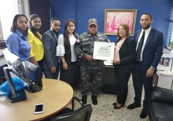 "Oriundos de Villa Riva solicitan a PN reponer a ""El Veterano"""
