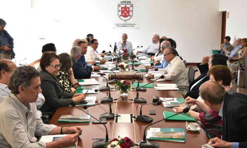 Apedi y empresarios de Santiago donan recursos  insumos hospitalarios