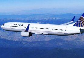 Rebú por pasajero que estornudaba y tosía en vuelo de United