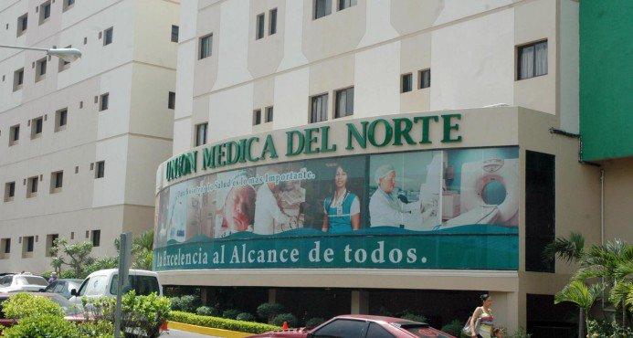 Detectan caso sospechoso covid-19 clínica de Santiago