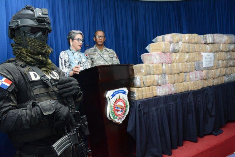 Ocupan 264 paquetes de cocaína en Boca Chica