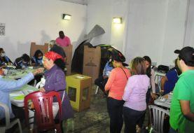 Con normalidad y pocos votantes iniciaron elecciones en Santiago