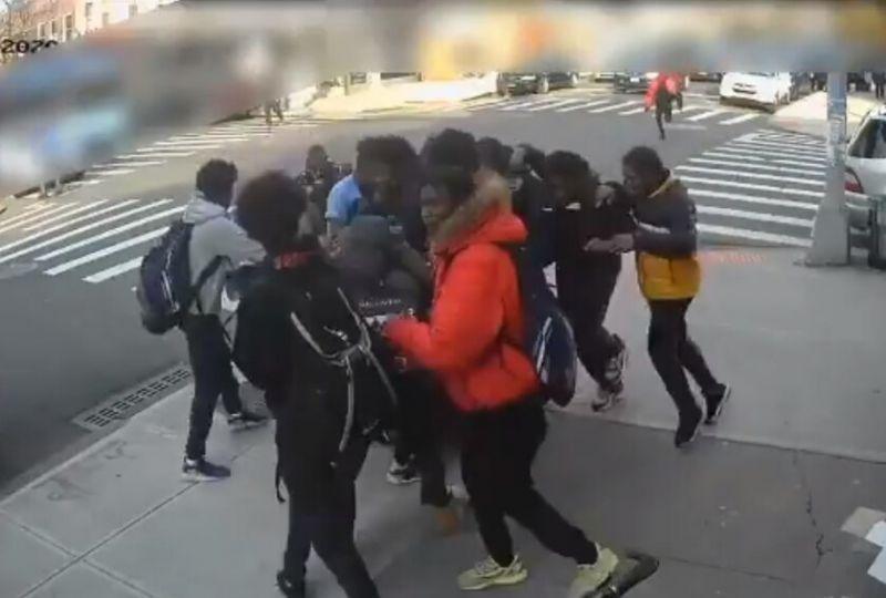 Escuadrón detectives NY apresa 12 pandilleros golpearon menor