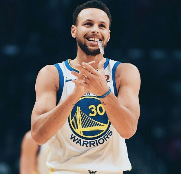 Stephen Curry  no padece coronavirus covid-19