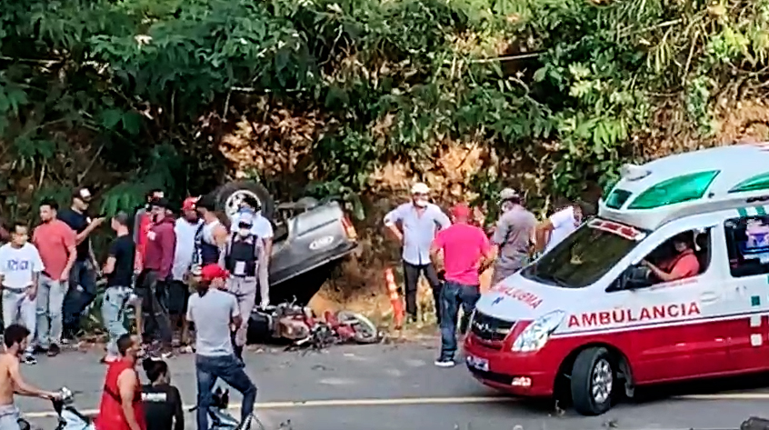 Un muerto y 15 heridos accidente Jarabacoa