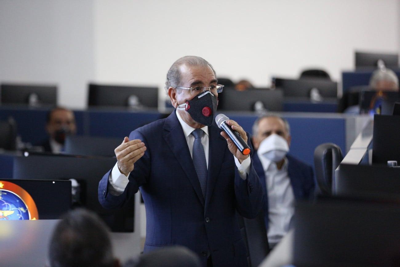 """Danilo Medina: """"Esto es prueba y error"""""""