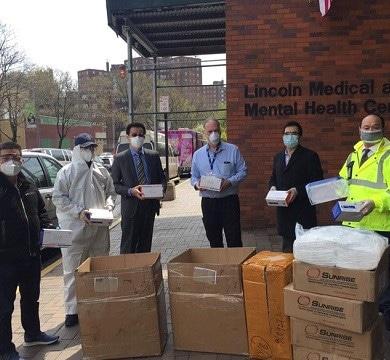 Diligencian entrega 10 mil mascarillas hospital Lincoln El Bronx