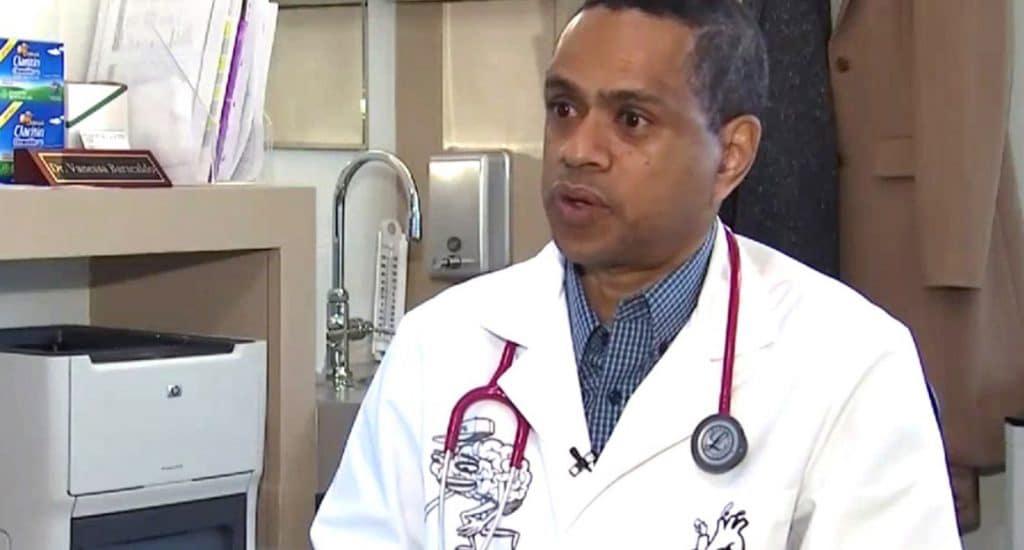 Médico dominicano contradice declaraciones gobernador Cuomo