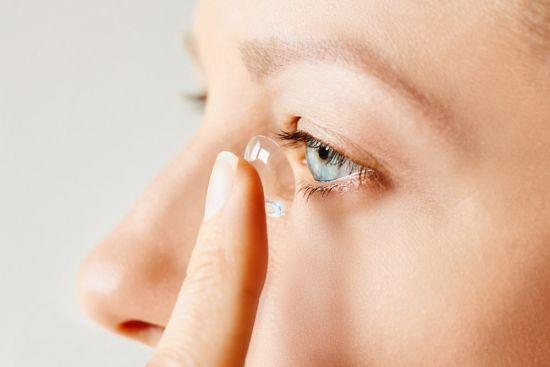 Uso y cuidado de lentes de contacto