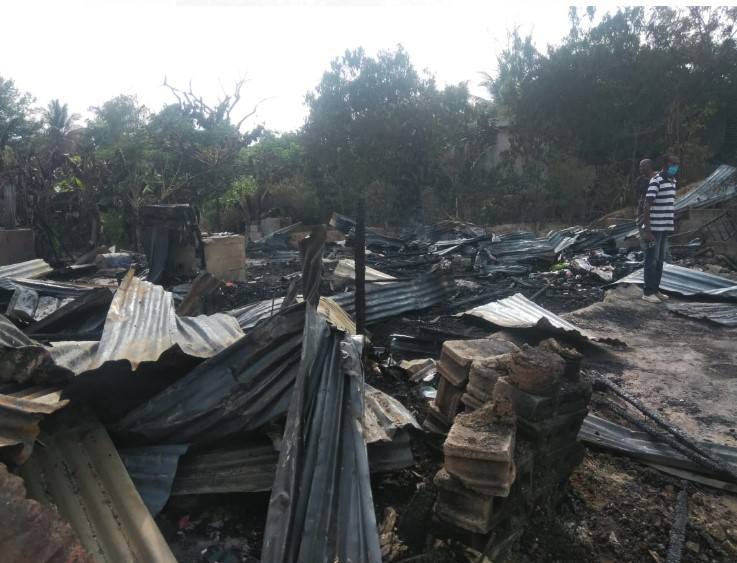 Incendio destruye viviendas en El Ingenio Arriba
