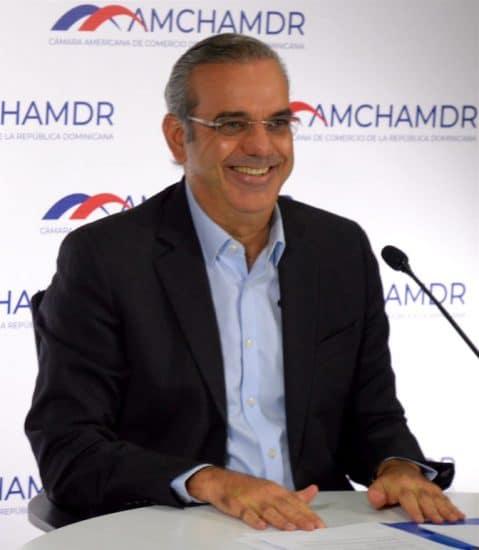 Luis Abinader camara americana de comercio