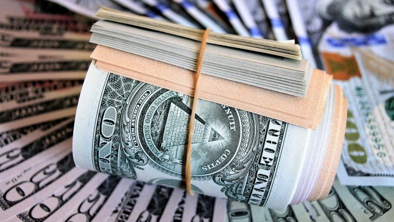 Atribuyen alza productos a carestía del dólar