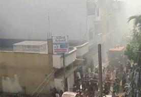 Avión de Pakistan International Airlines se estrella en Karachi