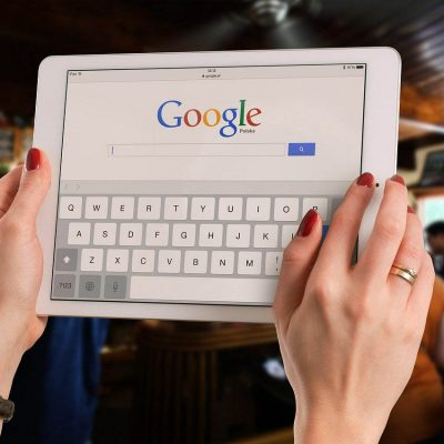 Francia multa a Google con 220 millones de euros