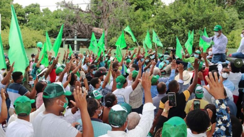Leonel emplaza al gobierno por construcción obras con fondos de pensiones