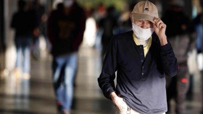 Brasil supera los 100.000 muertos por covid-19