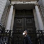Argentina logra acuerdo con acreedores para reestructurar deuda