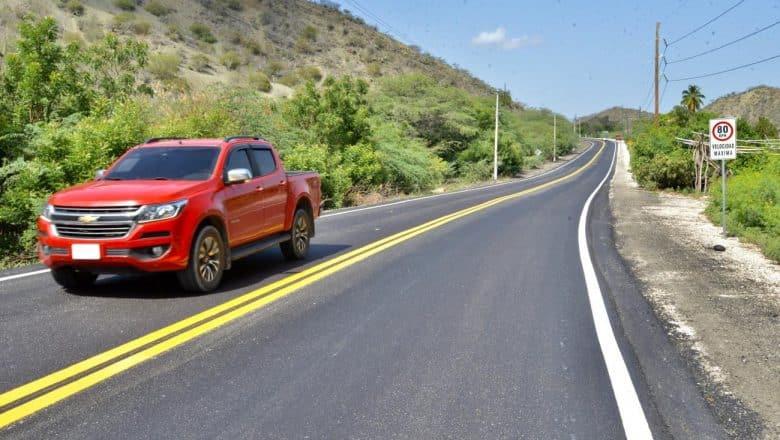 Danilo Medina entrega nueva carretera Azua – Barahona