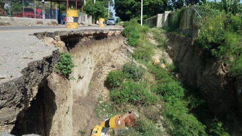 Garantizan arreglo tramo carretero afecta hundimiento