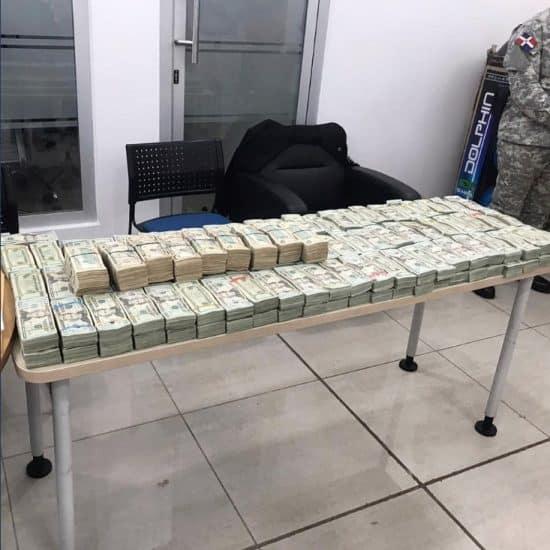 aduanas más de 2 millones de dólares