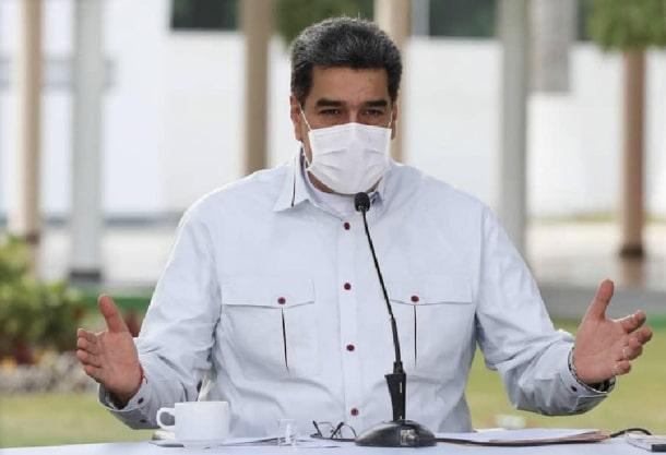 presidente maduro con mascarilla